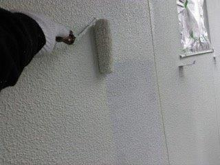 外壁モルタル断熱塗装断熱塗料一層目塗装状況