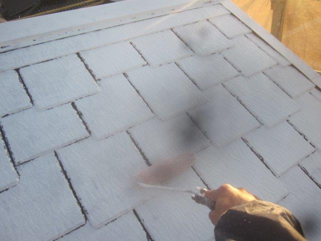 屋根塗装下塗り塗装状況
