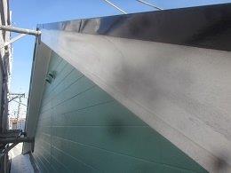 外壁付帯部破風板塗装ケレン完了