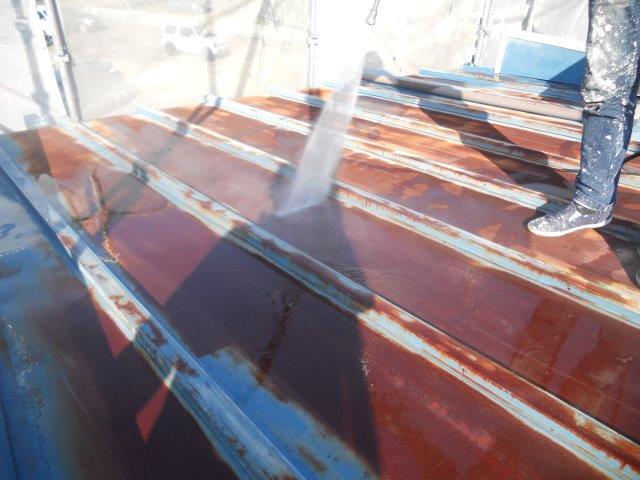 屋根板金塗装前高圧洗浄
