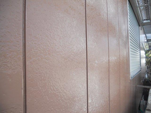 金属サイディング塗装上塗り一層目塗装完了