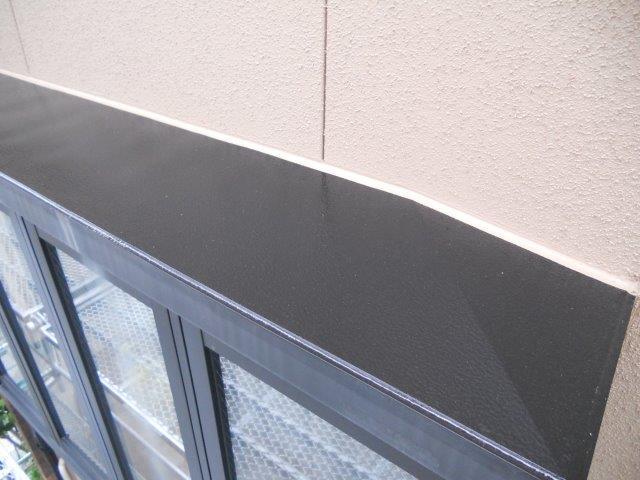 外壁サイディング塗装付帯部庇塗装完了