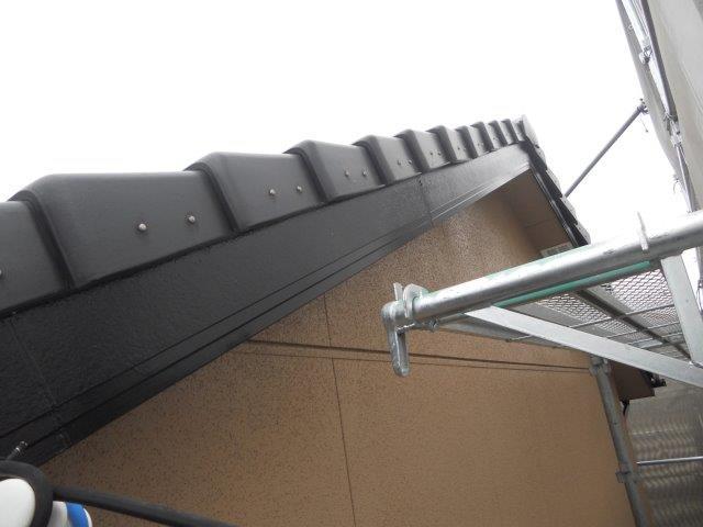 外壁サイディング塗装付帯部破風板塗装完了
