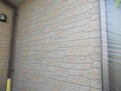 外壁タイル調サイデイングクリヤー塗装上塗り二層目塗装完了