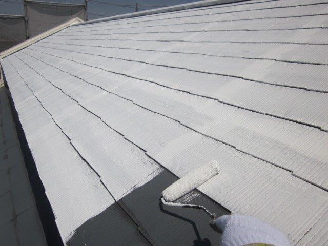 屋根カラーベスト下塗り塗装状況