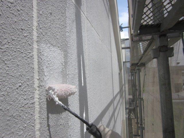 外壁ALC下塗り二層目塗装状況