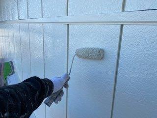 金属サイディング塗装上塗り塗装状況