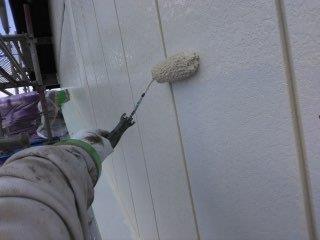 金属サイディング塗装下塗り塗装状況