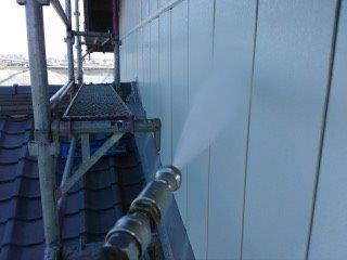 金属サイディング塗装高圧洗浄