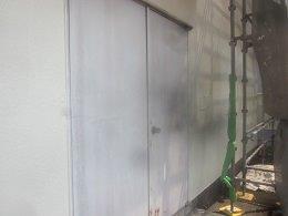 外壁鉄扉塗装施工前