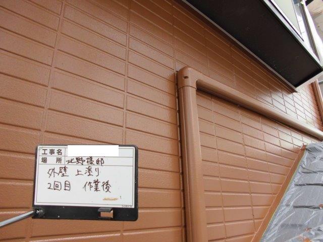 外壁サイディングフッ素塗料塗装上塗り二層目塗装完了