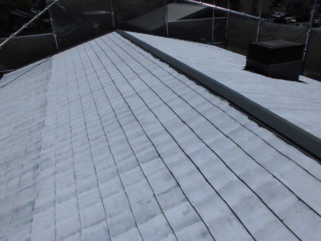 屋根カラーベストキルコ遮断熱塗料塗装一層目塗装完了