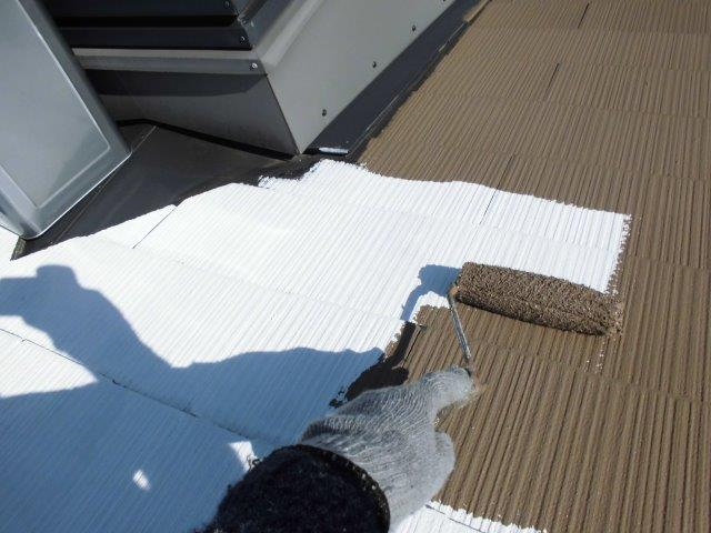 屋根カラーベストキルコ遮断熱塗料塗装三層目塗装状況