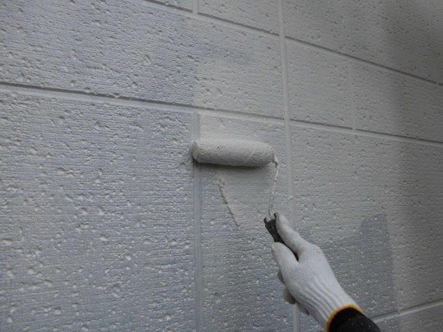 外壁ALCキルコ断熱塗料塗装一層目塗装状況