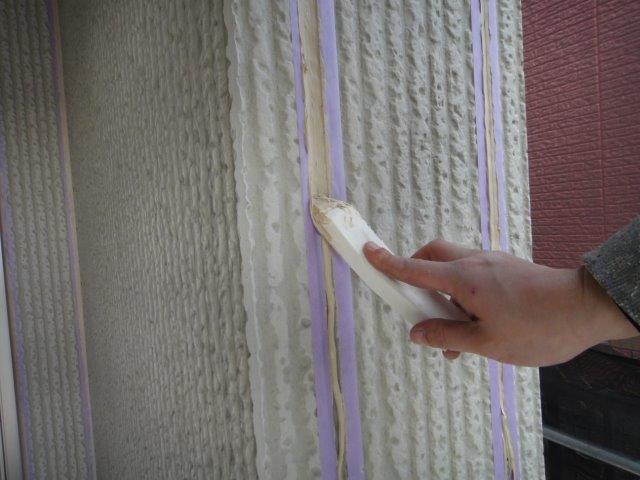 外壁サイデイング目地のコーキング補修状況