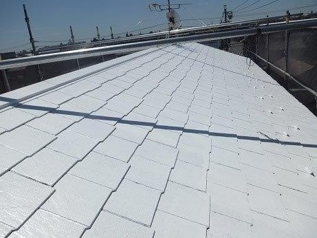 屋根カラーベスト遮熱フッ素塗装下塗り一層目塗装完了