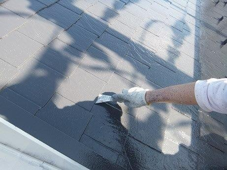 屋根カラーベスト遮熱フッ素塗装完了後縁切り状況