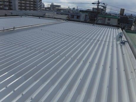 折半屋根錆止め塗装完了