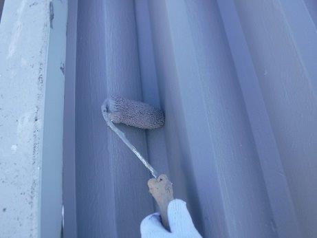 折半屋根上塗り二層目塗装状況