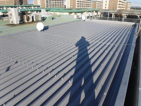 折半屋根上塗り二層目塗装完了