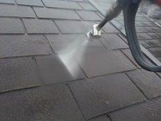 屋根断熱塗料前高圧洗浄状況