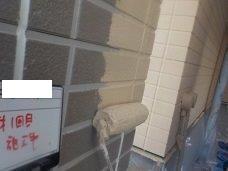 外壁サイディング断熱塗料一層目塗装状況