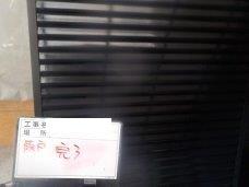 外壁付帯部雨戸塗装上塗り一層目塗装完了