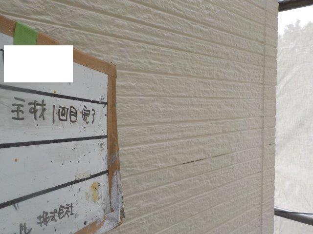 外壁サイディングキルコ断熱塗料塗装一層目塗装完了