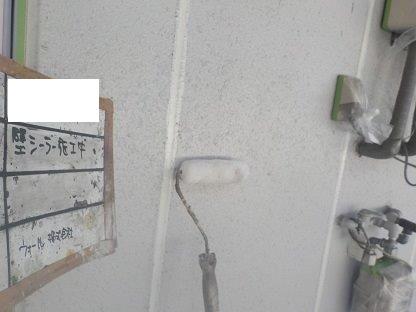外壁ALCラジカルシリコン塗装下塗り一層目塗装状況