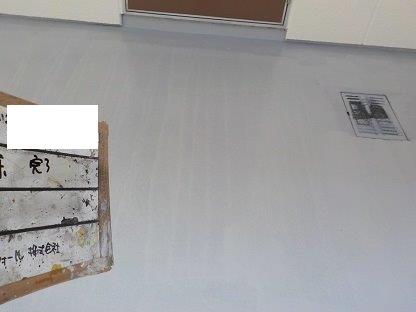 共用通路土間塗装上塗り二層目塗装完了