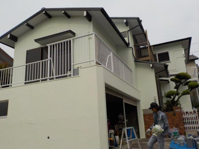 屋根板金塗装工事 外壁モルタル塗装工事 バルコニー防水塗装工事 外壁付帯部塗装工事完了