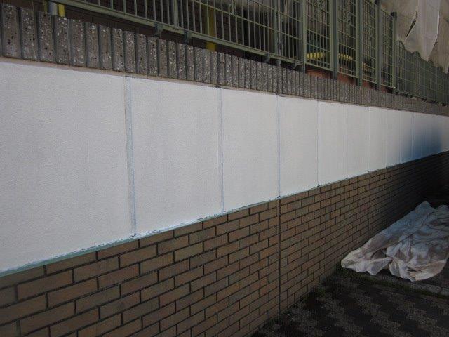 外塀塗装下塗り二層目塗装完了