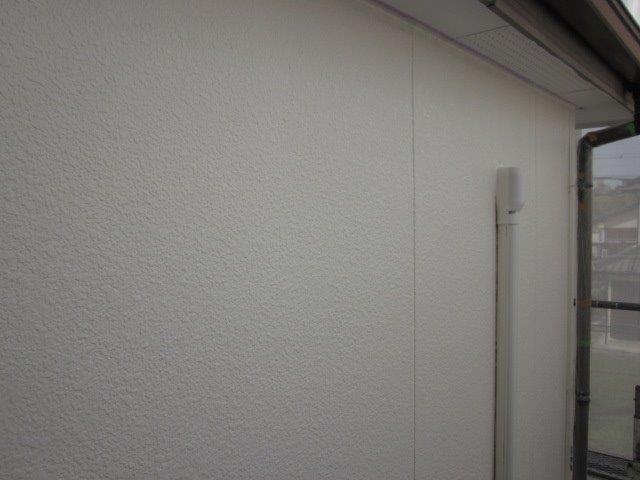 外壁サイディングフッ素塗料塗装上塗り一層目塗装完了