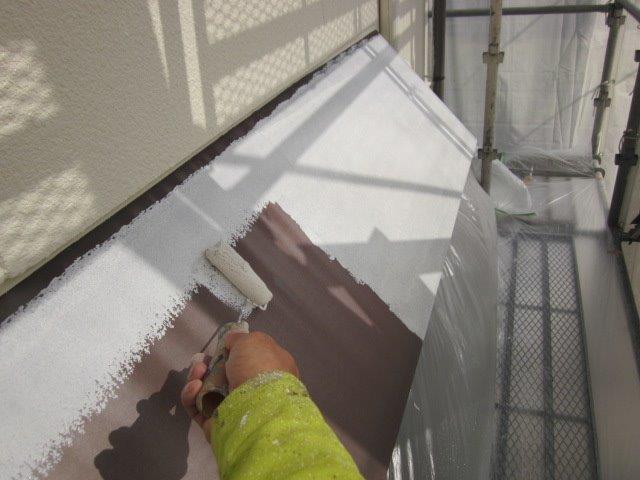 外壁付帯部庇塗装錆止め塗装状況