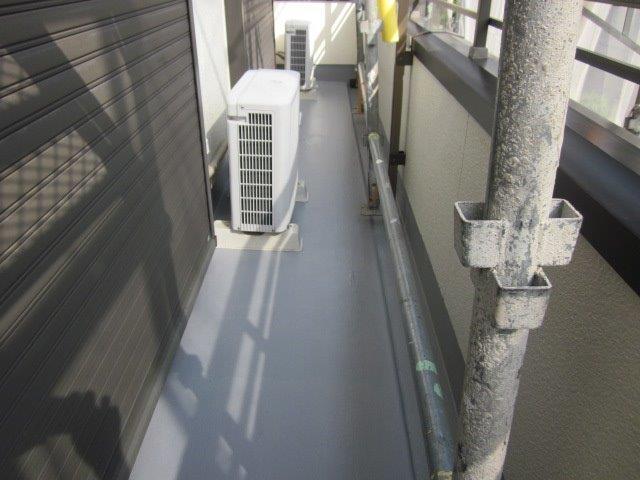 バルコニー防水塗装トップコート塗装完了