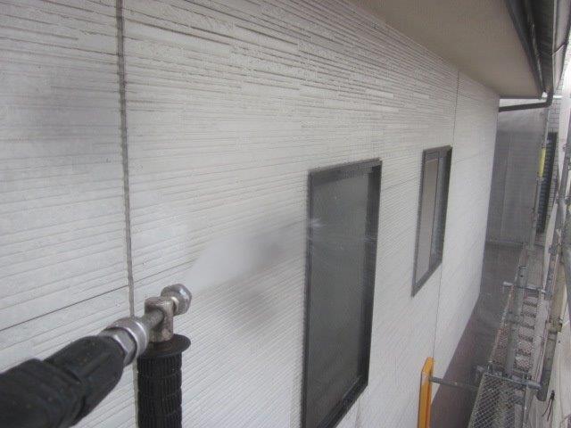 外壁サイデイング塗装前高圧洗浄状況