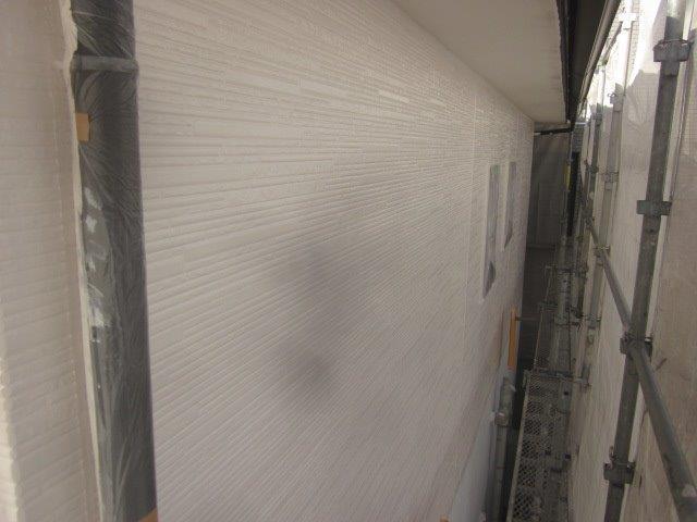 外壁サイデイングフッ素塗料塗装上塗り一層目塗装完了