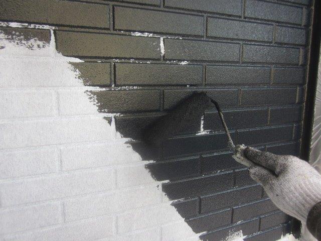 外壁タイル調サイデイング2色塗りフッ素塗料塗装目地色塗装状況