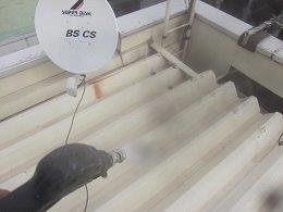 折半屋根塗装前高圧洗浄状況