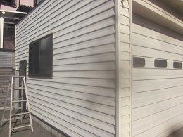 車庫外壁板金塗装前素地調整完了