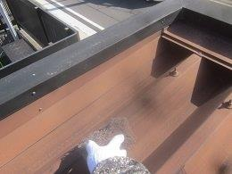 車庫折板屋根塗装前素地調整状況