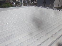 車庫折板屋根塗装錆止め塗装完了