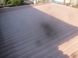 車庫折板屋根塗装溶剤シリコン上塗り二層目塗装完了