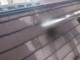 屋根遮熱フッ素塗料塗装前高圧洗浄状況