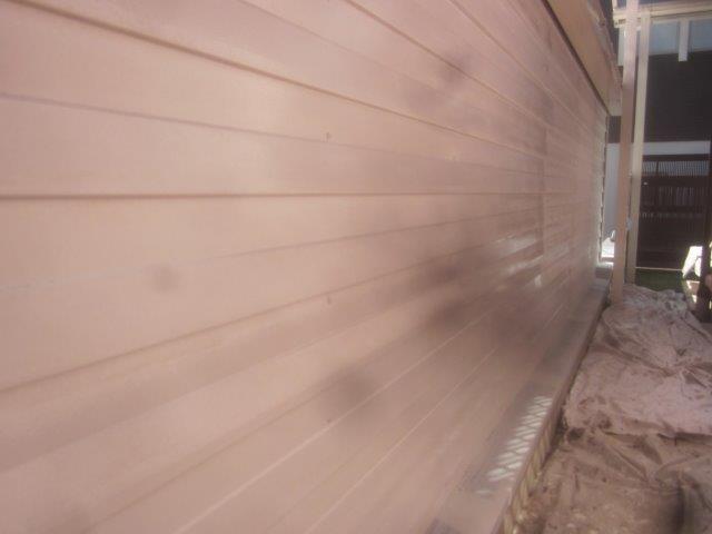 車庫外壁板金塗装錆止め塗装完了
