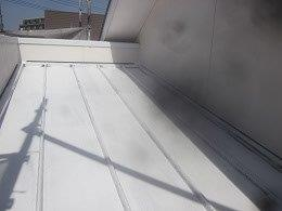 板金屋根遮熱フッ素塗料塗装錆止め塗装完了
