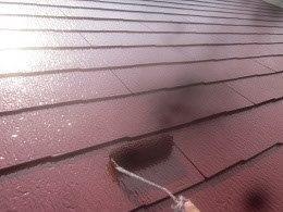 屋根遮熱フッ素塗料塗装上塗り二層目塗装状況