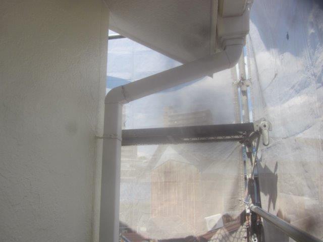 外壁付帯部雨樋塗装施工前