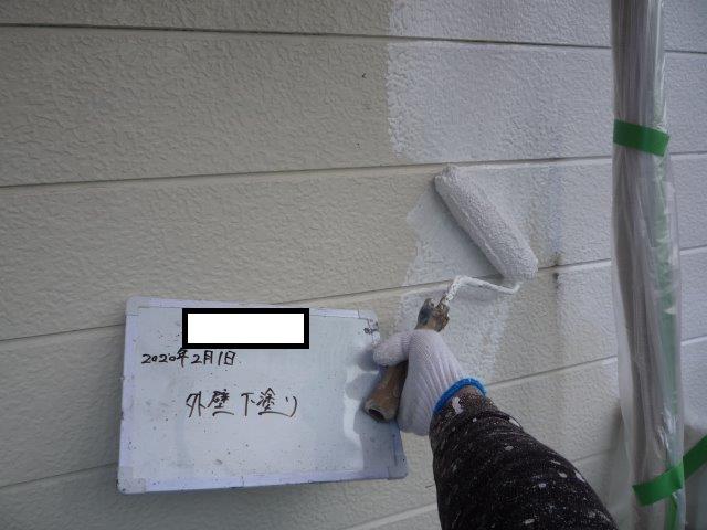 外壁サイディングシリコン塗料下塗り二層目塗装状況