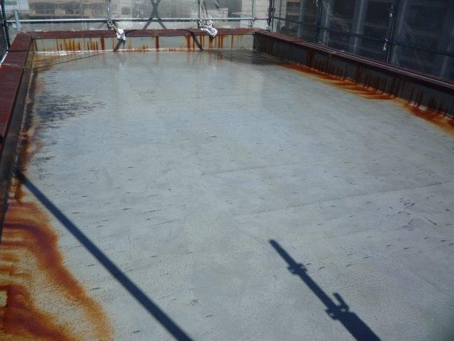 屋上防水塗装下塗り塗装完了